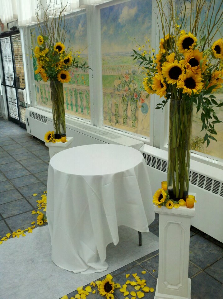 Savannah S Garden Looking Back At Nicole S Sunflower Wedding At The Flander S Hotel In Ocean