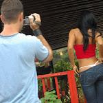 Andrea Rincon, Selena Spice Galeria 21 : Jean Azul y Top Rojo Foto 43