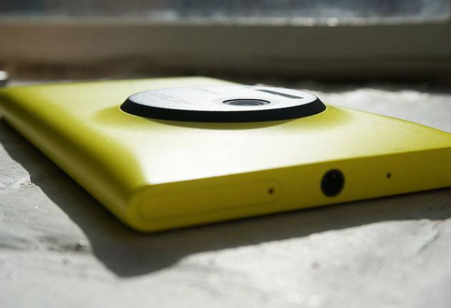 Nokia Lumia 1020 takes on competitors in a concert test