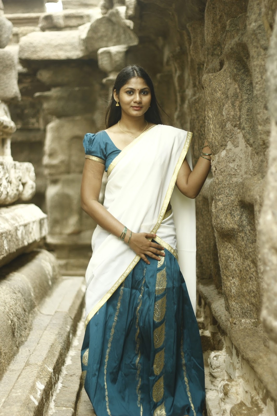 Shruti Reddy latest photos in half saree-HQ-Photo-9