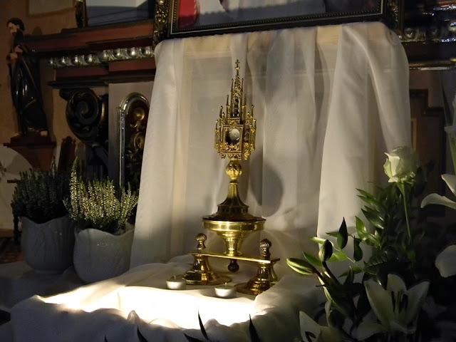 Symbole związane z Jadwigą Śląską są w kościele w Kłobuczynie.