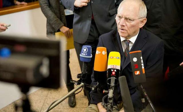 SZ: Ο Σόιμπλε ήθελε να δώσει ένα μάθημα στις χώρες της Ευρωζώνης και η Ελλάδα το πλήρωσε με αίμα