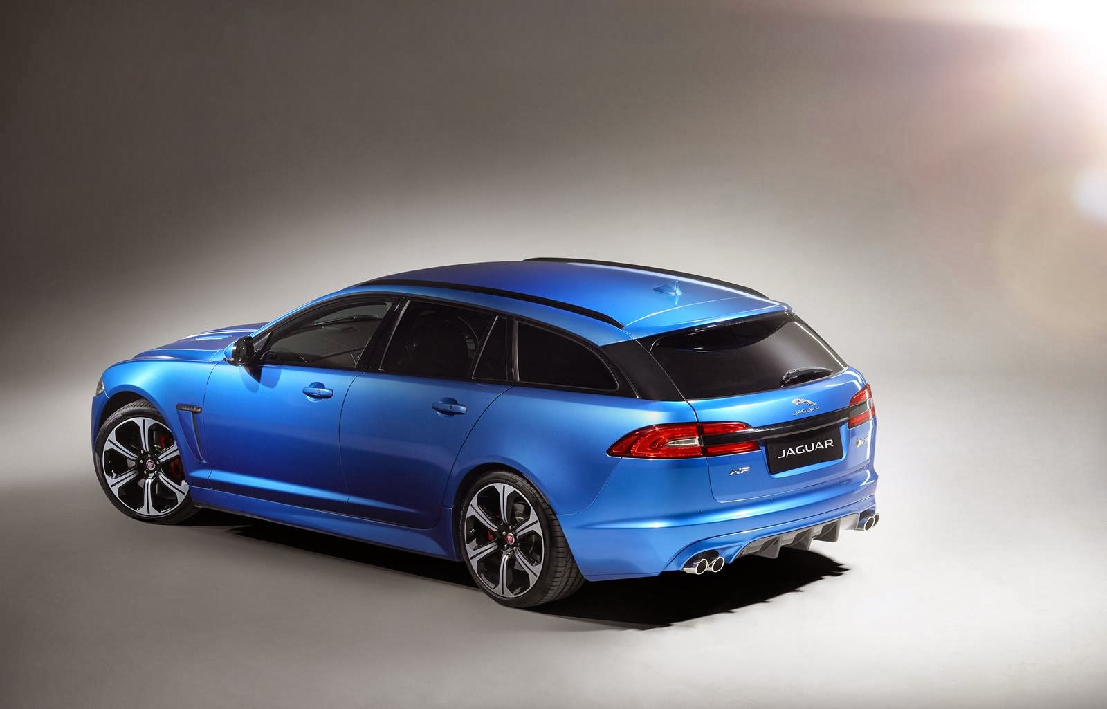 [Resim: Jaguar+XFR-S+Sportbrake+2.jpg]