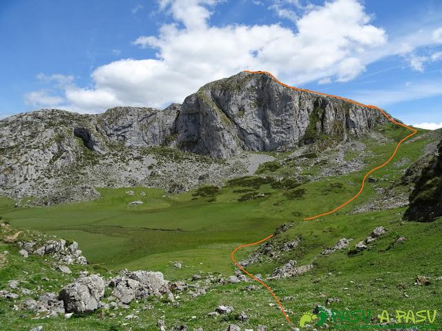Ruta al Cantu Ceñal: Camino al Cantu Ceñal desde Tolleyu
