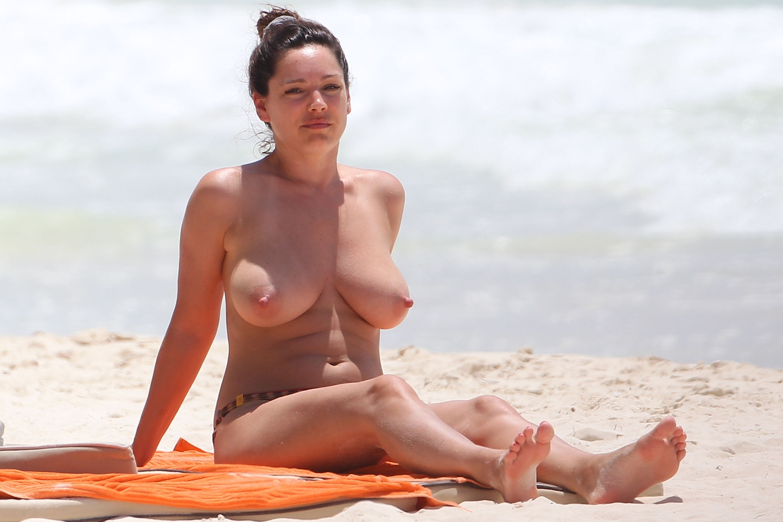 naked (35 photo), Bikini Celebrites photos