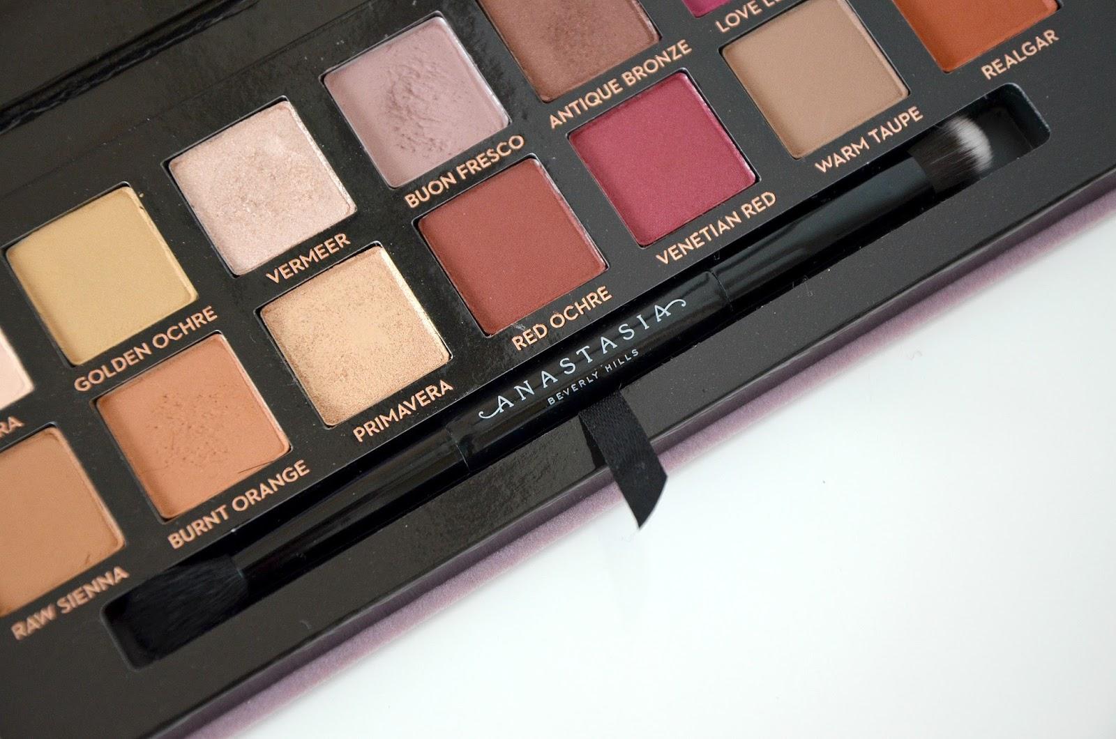 Anastasia Beverly Hills ABH modern renaissance eyeshadow palette brush