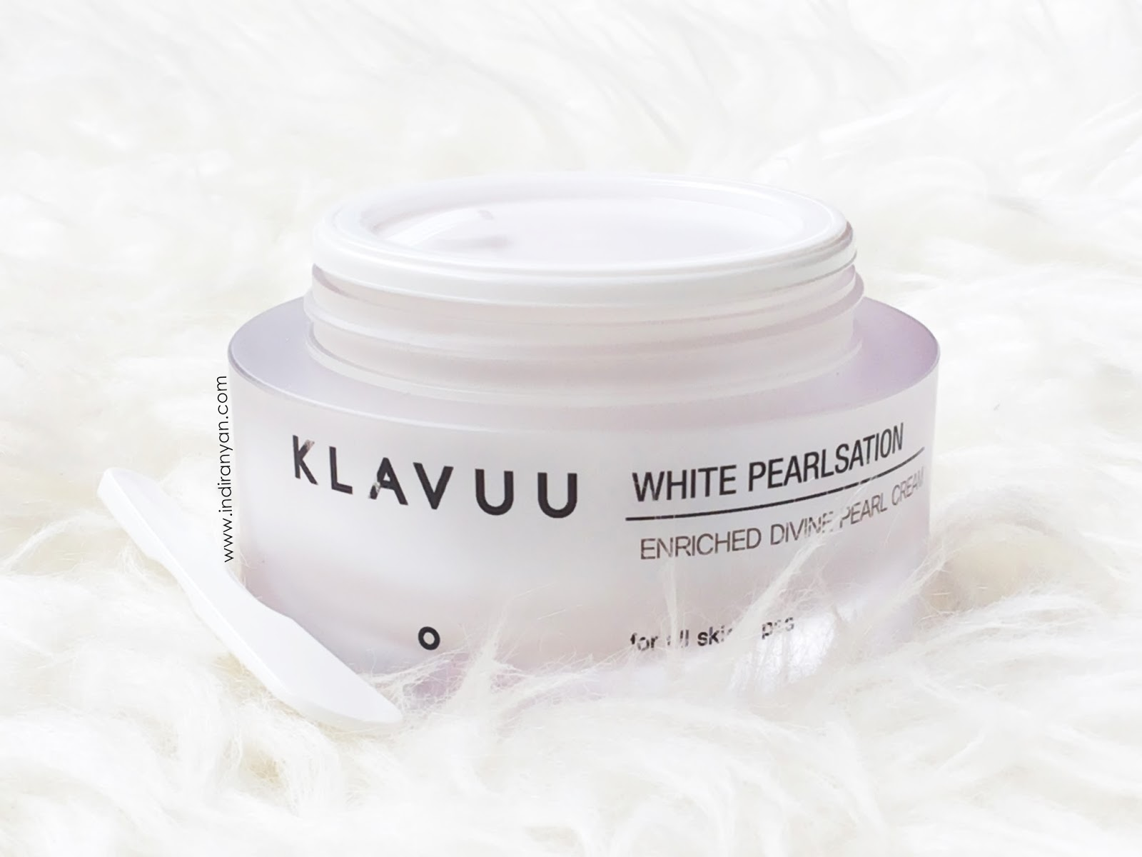 klavuu-white-pearlsation-enriched-divine-pearl-cream-packaging