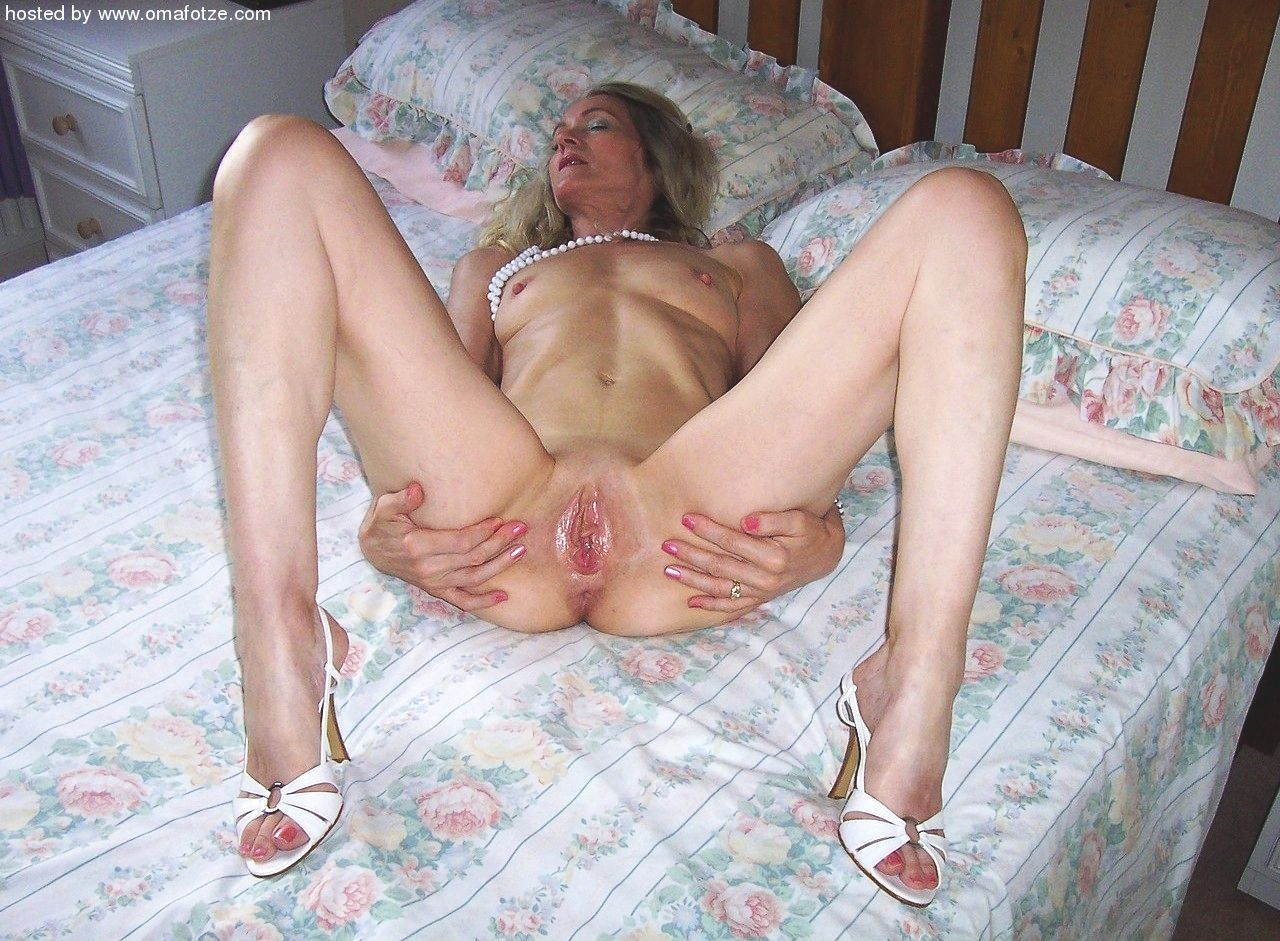 Mature legs german grannie
