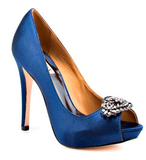 Zapato de color azul para novia de Badgley Mischka