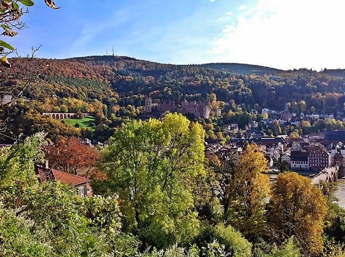 Heidelberg Philosophenweg mit Blick zum Schloss