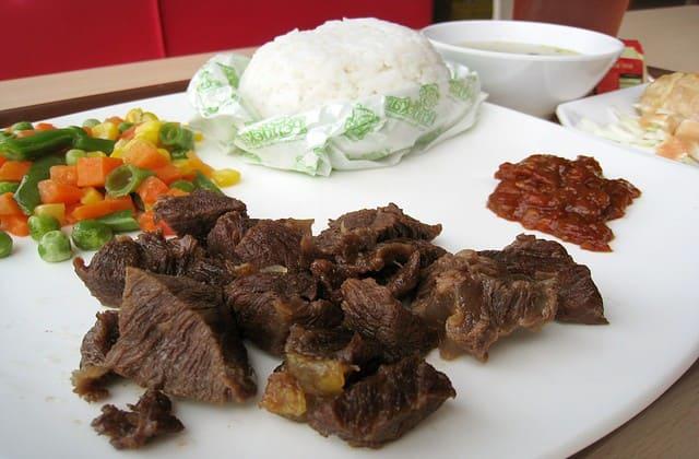 Dari tadi belum ketemu daging, mari kita sambut empal gepuk daging sapi khas Sunda Jawa Barat