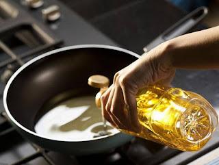 dùng dầu ăn sai cách