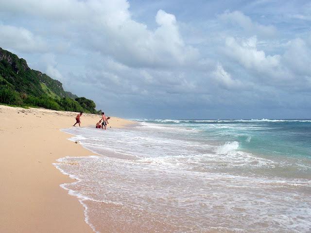 Pantai Hits di Bali yaitu Nyang Nyang