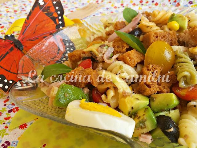 Ensalada de pasta a mi manera (La cocina de Camilni)