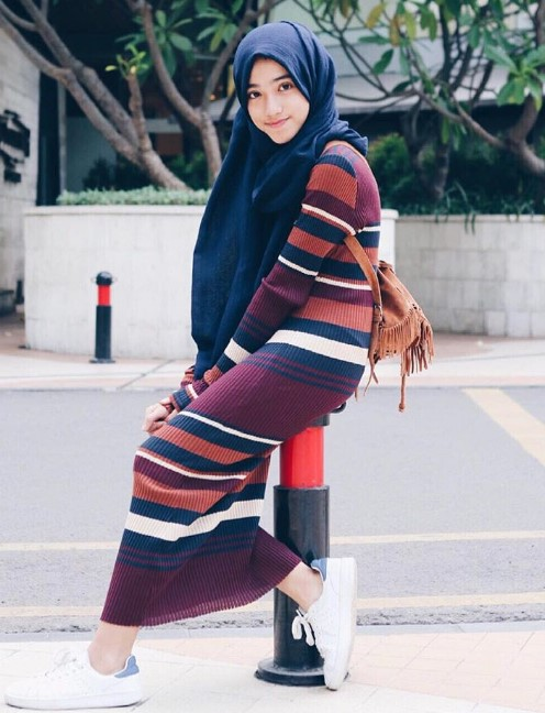 42 Koleksi Model Hijab Terbaru 2018 Simpel Modern