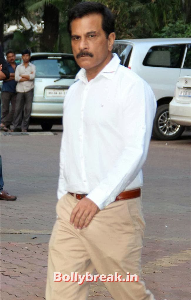 Pavan Malhotra, Celebs at Farooq Sheikh Prayer Meet