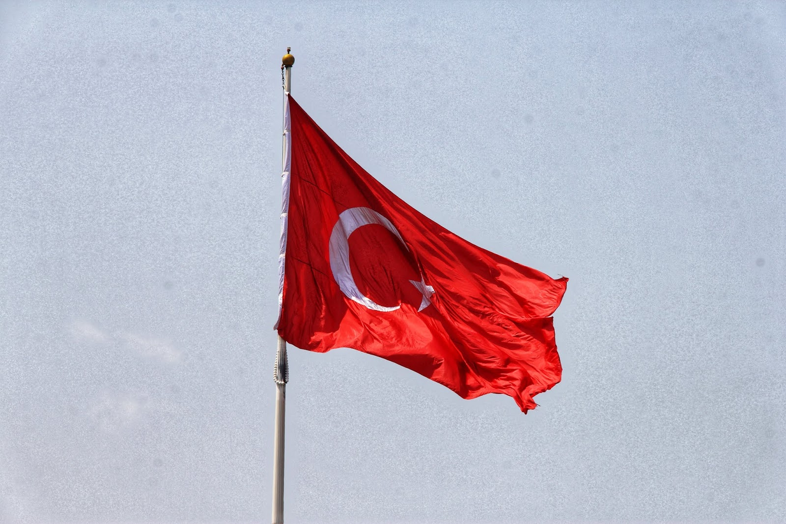 Bendera Turki di Taksim Square