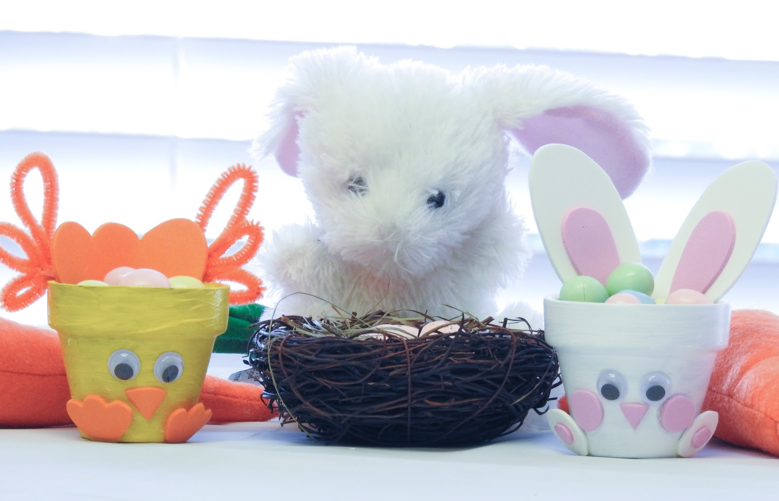easter bunny and chick pot