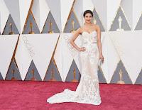 Priyanka Chopra 2016 Oscars  02.jpg