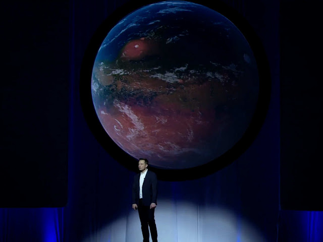 Elon Musk di acara International Astronautical Congress (IAC)