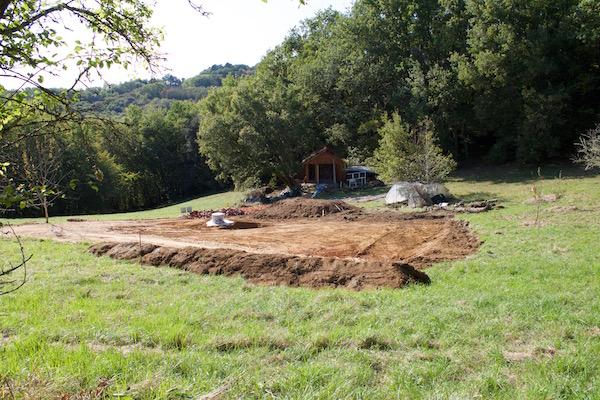 Cabane de loki et yoda fondations de la maison sur plots b ton - Maison bois sur plots ...