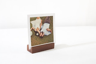 Wooden photostand