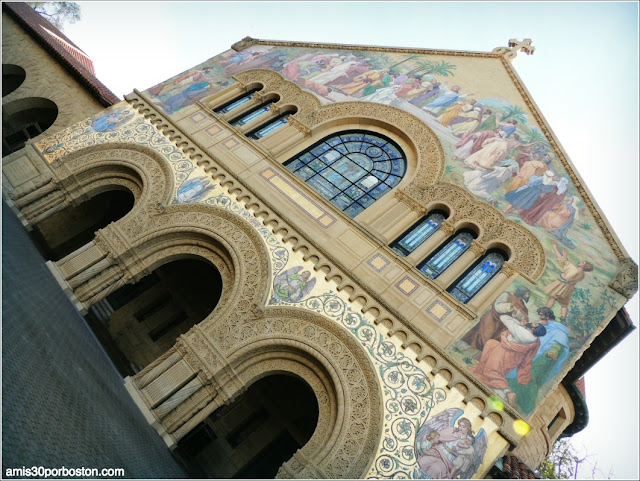 Fachada Memorial Church, Universidad de Stanford