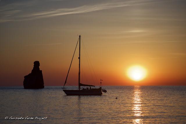 Cala Benirrás - Ibiza, por El Guisante Verde Project