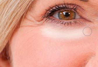 Aplicando efeito de remoção de rugas e olheiras