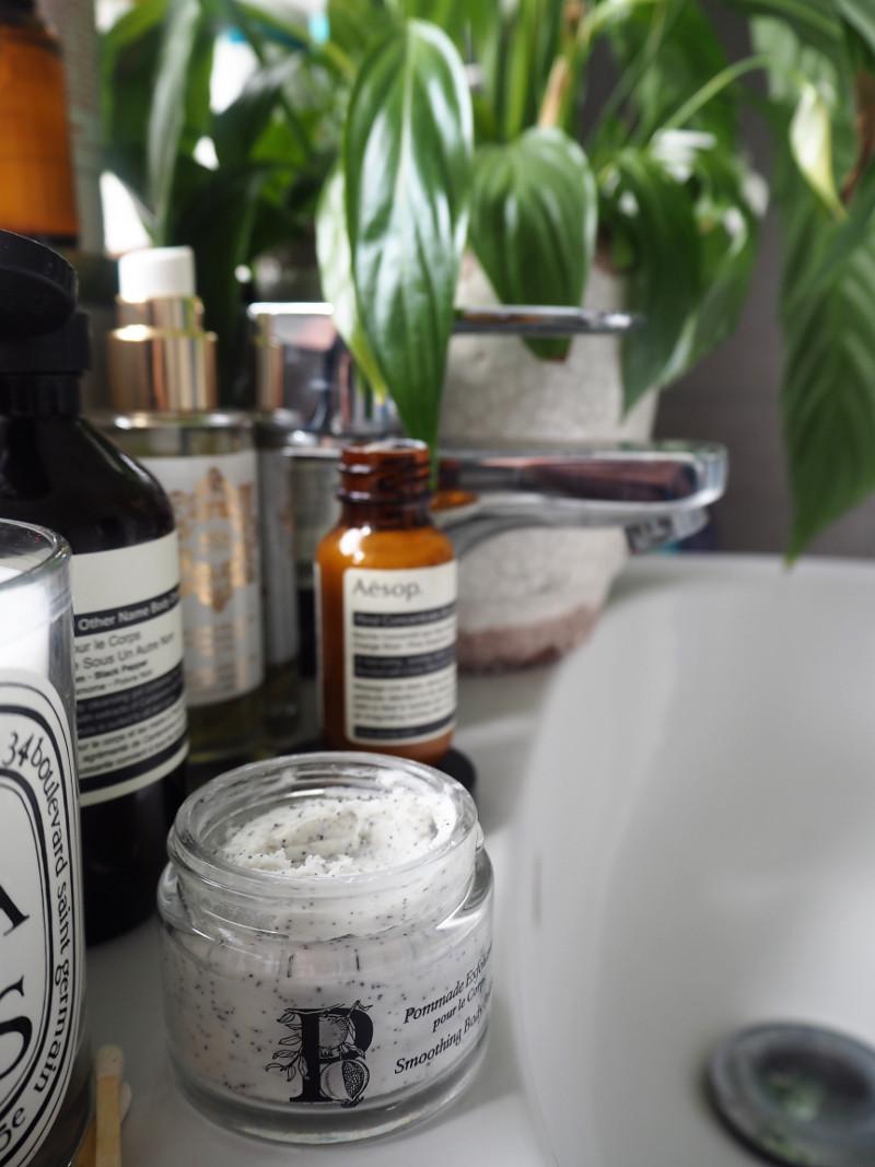 Best-Body-Scrubs-For-Summer-Aesthetical-Blog-0