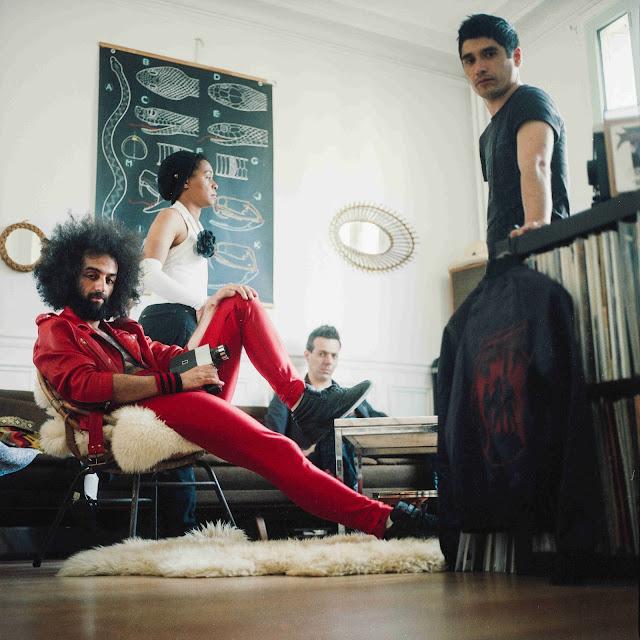 Photo de Jessie chaton et du groupe Fancy