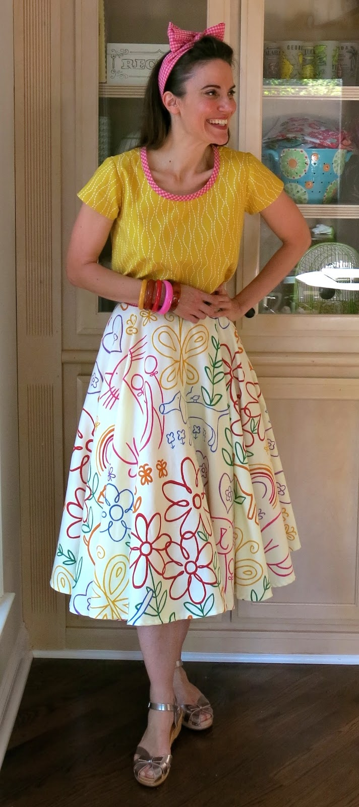 Cassie Stephens DIY The Oodles Of Doodles Shower Curtain Skirt