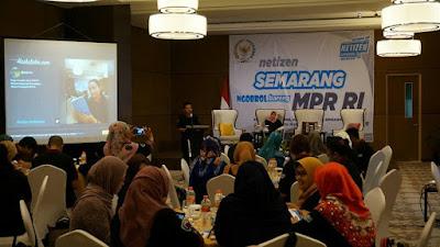 Netizen Semarang khidmat mendengarkan penjelasan tentang 4 pilar oleh bapak Ma'ruf (Dok:Pri)
