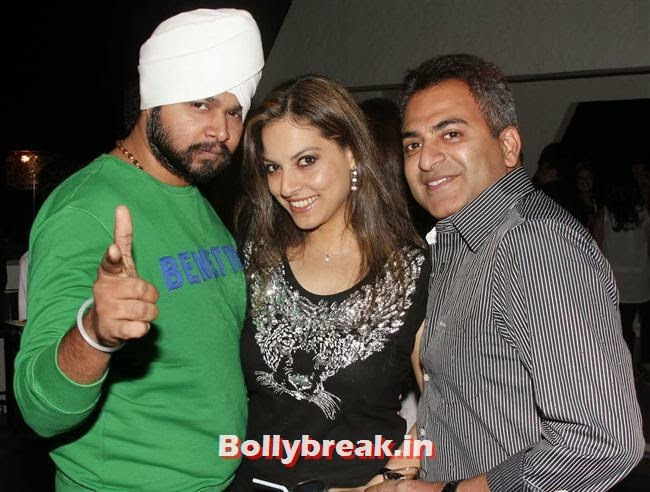 Ramji Gulati, Pretty Bhalla and Deepu Paul, Page 3 Babes at Kapil Mehra Birthday Party