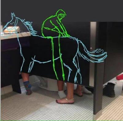Una inexplicable situación en el baño