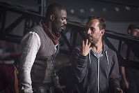 Idris Elba and Nikolaj Arcel on the set of The Dark Tower (6)
