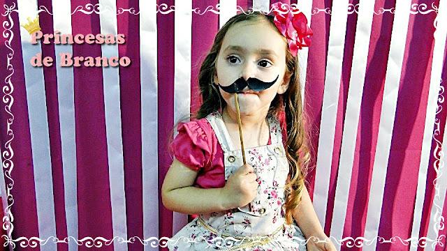 como fazer acessórios plaquinhas bigodes para fotos festa