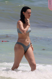 Rumer-Willis-In-Bikini-Seen-at-a-beach-in-Mexico--01+%7E+SexyCelebs.in+Exclusive.jpg