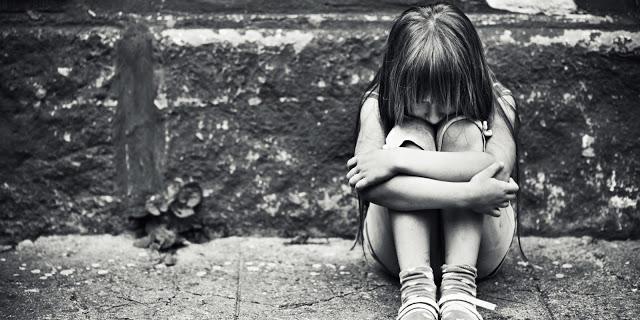 A menina que pensava que seu nome era 'idiota' e outros casos chocantes de abuso infantil