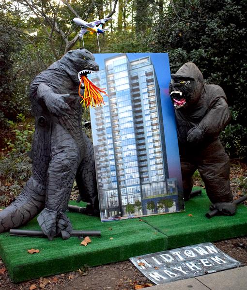 "Scarecrows in the Garden   ""Midtown Mayhem""   Atlanta Botanical Garden   Photo: Travis S. Taylor"