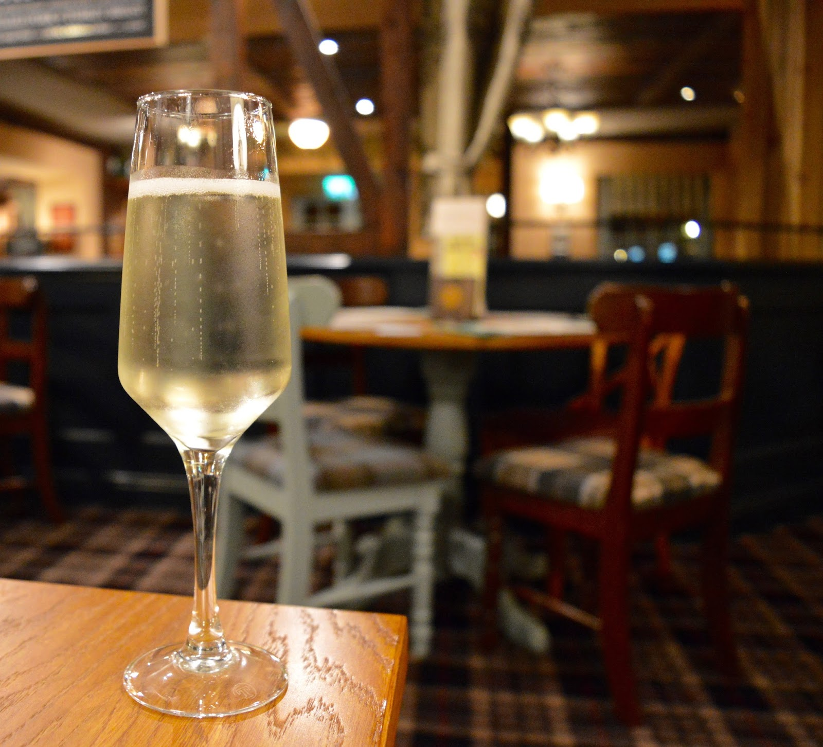 The Kingslodge Inn, Durham | A Review - A lovely budget hotel near the train station and city centre - Prosecco