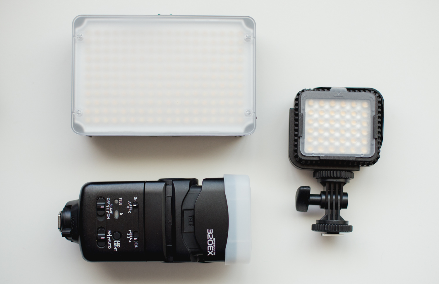 canon speedlite 320ex aputure amaram led video light