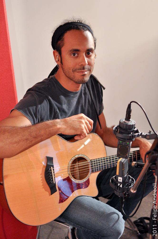 almah official french blog marcelo barbosa almah recordings of acoustic guitar parts. Black Bedroom Furniture Sets. Home Design Ideas