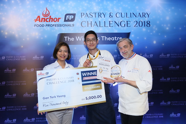 Gan Terk Yeong from Sofitel Kuala Lumpur Damansara won 1st prize, pictured with Linda Tan, Director of Anchor Food Professionals and Chef Jean Francois Arnaud (Head Judge – Pastry)