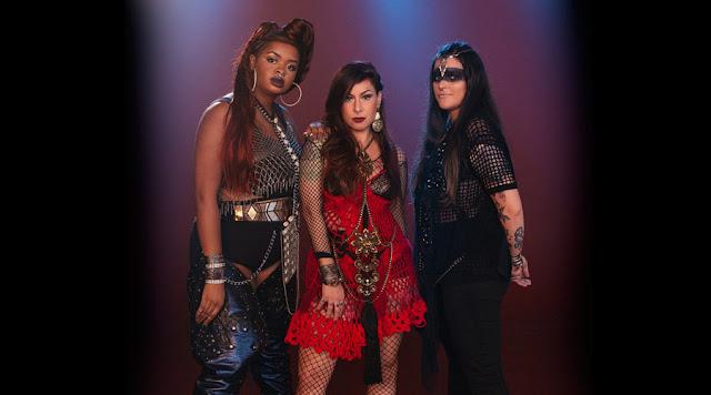 Resenha Musical   Pitty lança ótimo single com a participação de Tássia Reis e Emilly Barreto