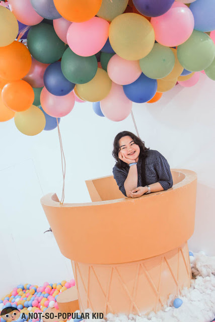 Anna De Jesus in Hot Air Balloon Dessert Museum