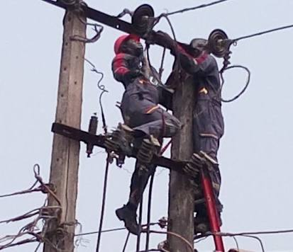 PHCN Staff Electrocuted At Isawo Ikorodu (Photo/Video)