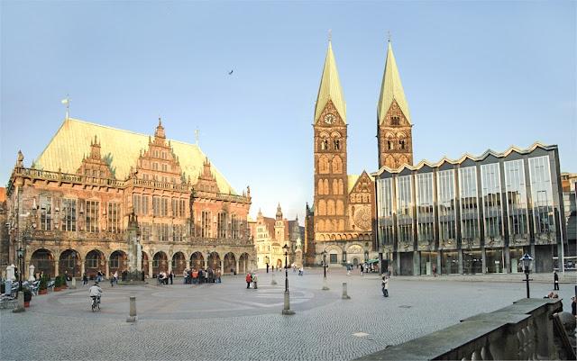 مبنى البلدية(Rotest Rathaus)