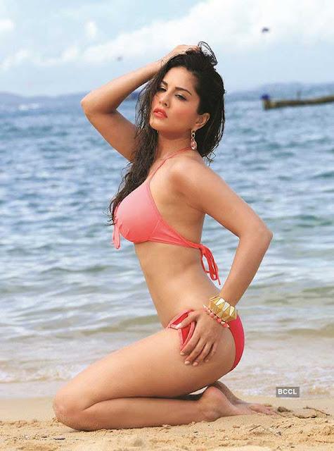 Sunny Leone hot, sexy, bold bikini pics