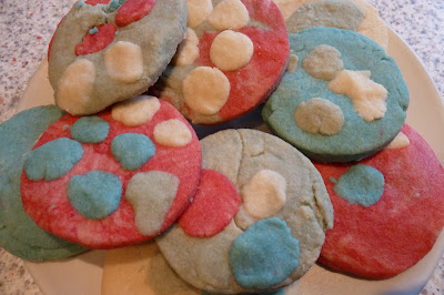 How to make spotty coloured biscuits